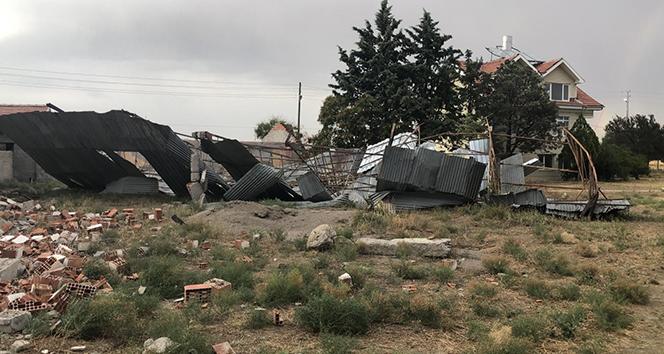 Polatlı'da kum fırtınası sonrası hasar ortaya çıktı